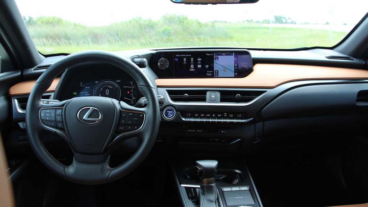 Lexus UX 正式公开预定,售价 RM243,888 起跳