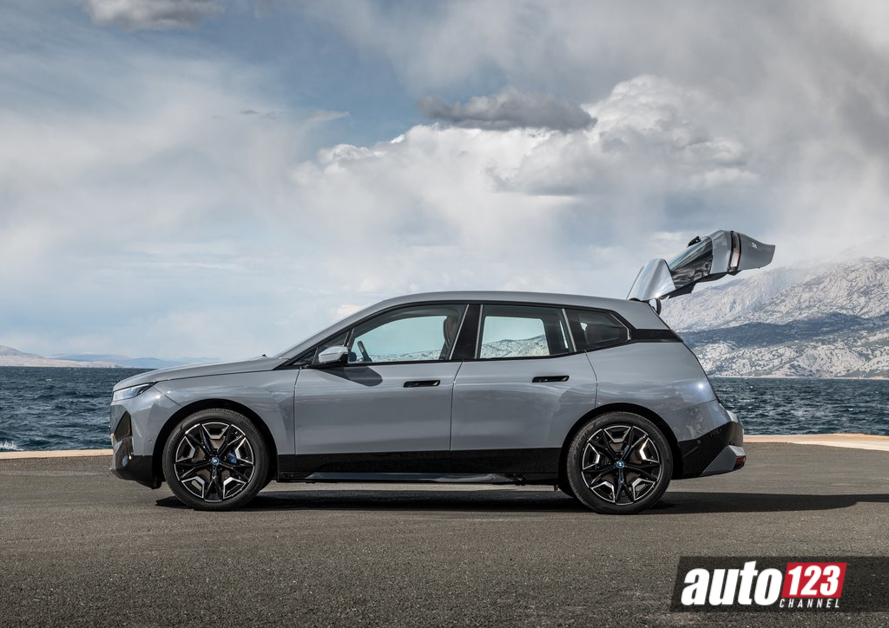 2021 BMW iX Malaysia